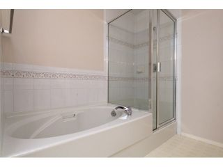 """Photo 15: 167 13888 70 Avenue in Surrey: East Newton Townhouse for sale in """"Chelsea Gardens"""" : MLS®# R2000018"""