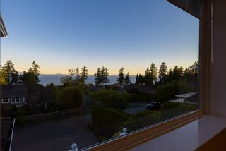Photo 28: 13518 MARINE Drive in Surrey: Crescent Bch Ocean Pk. House for sale (South Surrey White Rock)  : MLS®# R2597553
