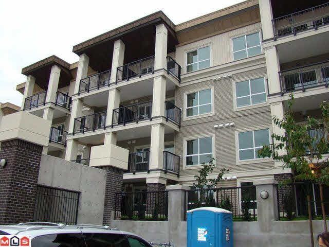 Main Photo: 102 9655 KING GEORGE Boulevard in Surrey: Whalley Condo for sale (North Surrey)  : MLS®# R2125024
