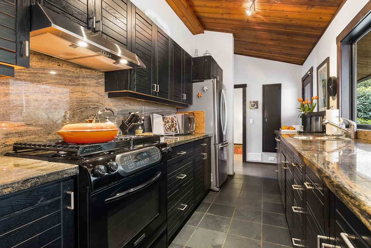 Photo 21: Photos: 3929 Sunset Boulevard in North Vancouver: Edgemont House for rent