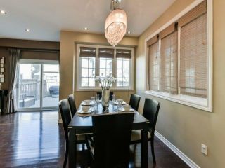 Photo 6: 2461 Felhaber Cres in Oakville: Iroquois Ridge North Freehold for sale : MLS®# W4071981