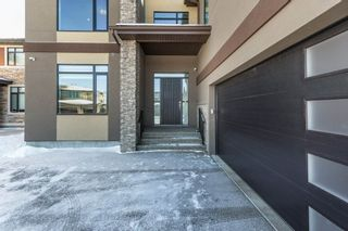 Photo 2: 921 WOOD Place in Edmonton: Zone 56 House for sale : MLS®# E4227555