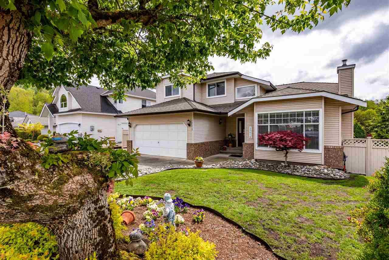 """Main Photo: 35418 LETHBRIDGE Drive in Abbotsford: Abbotsford East House for sale in """"Sandy Hill"""" : MLS®# R2584060"""