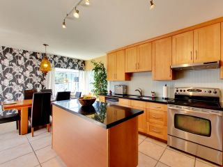 """Photo 7: 2271 WATERLOO Street in Vancouver: Kitsilano House for sale in """"KITSILANO!"""" (Vancouver West)  : MLS®# R2086702"""