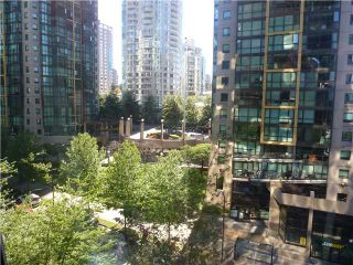 """Photo 38: 613 1333 W GEORGIA Street in Vancouver: Coal Harbour Condo for sale in """"Qube"""" (Vancouver West)  : MLS®# V1024937"""
