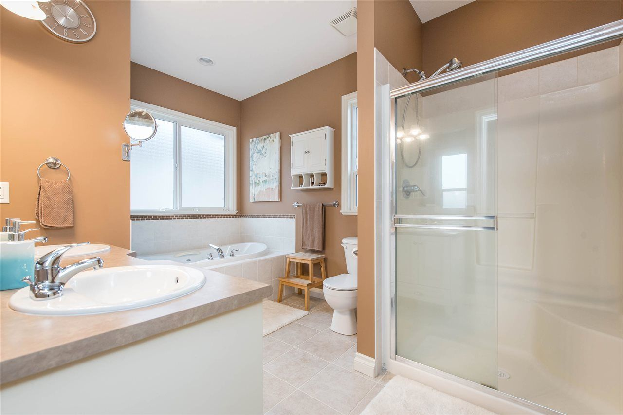 "Photo 21: Photos: 34914 2 Avenue in Abbotsford: Poplar House for sale in ""Huntingdon Village"" : MLS®# R2548984"