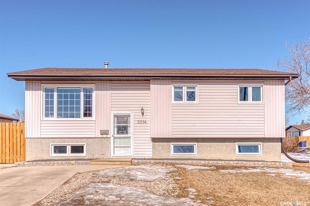 Main Photo: 3214 Jenkins Drive East in Regina: Parkridge RG Residential for sale : MLS®# SK844643