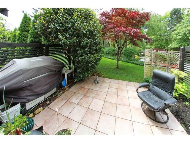 """Photo 9: Photos: 8550 WOODRIDGE Place in Burnaby: Forest Hills BN Townhouse for sale in """"SIMON FRASER VILLAGE"""" (Burnaby North)  : MLS®# V966181"""