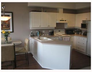 """Photo 4: 7500 CUMBERLAND Street in Burnaby: The Crest Townhouse for sale in """"WILDFLOWER"""" (Burnaby East)  : MLS®# V640557"""