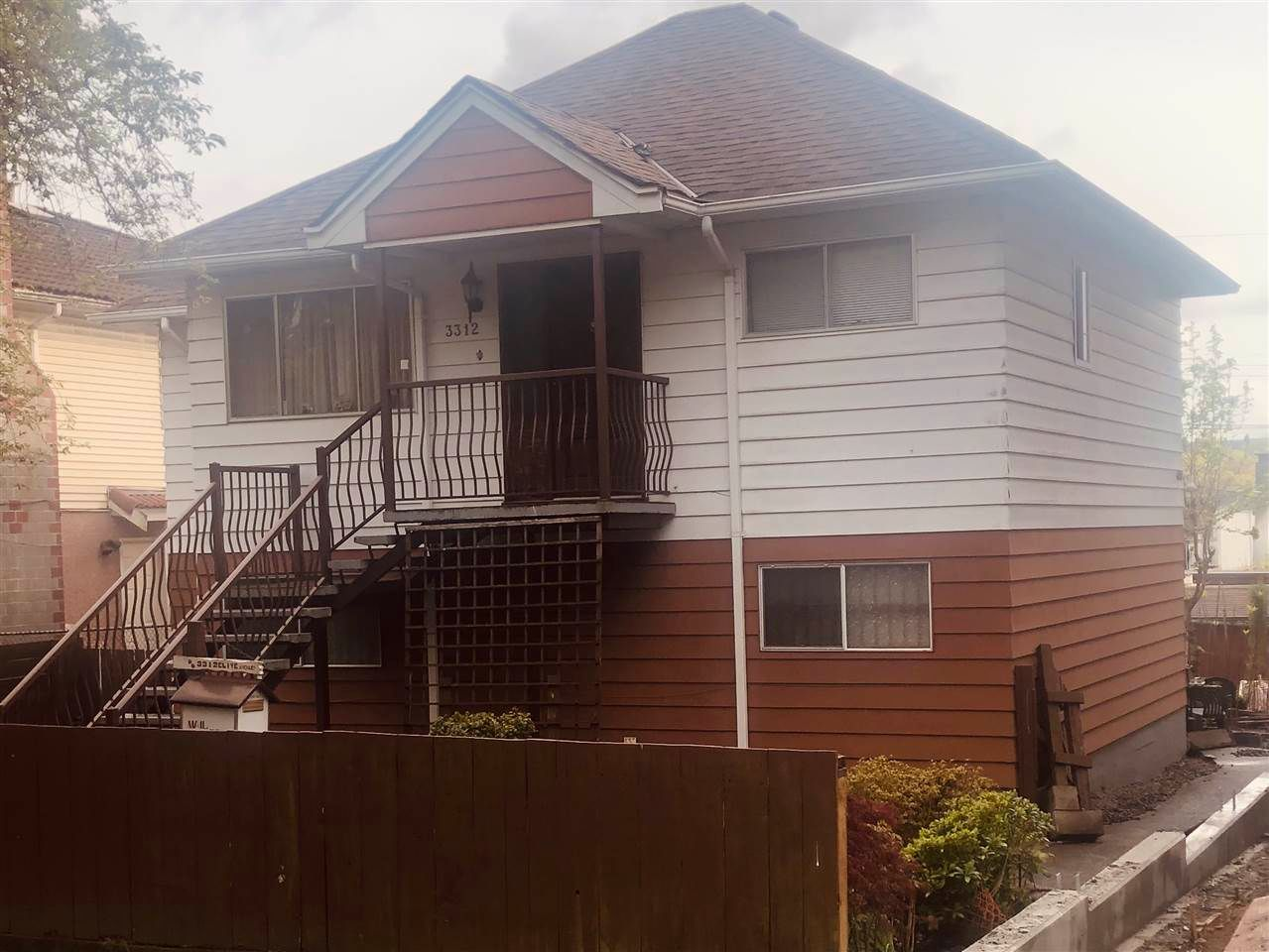 Main Photo: 3312 CLIVE Avenue in Vancouver: Collingwood VE House for sale (Vancouver East)  : MLS®# R2568617