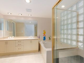 """Photo 18: 219 1869 SPYGLASS Place in Vancouver: False Creek Condo for sale in """"THE REGATTA"""" (Vancouver West)  : MLS®# R2327588"""