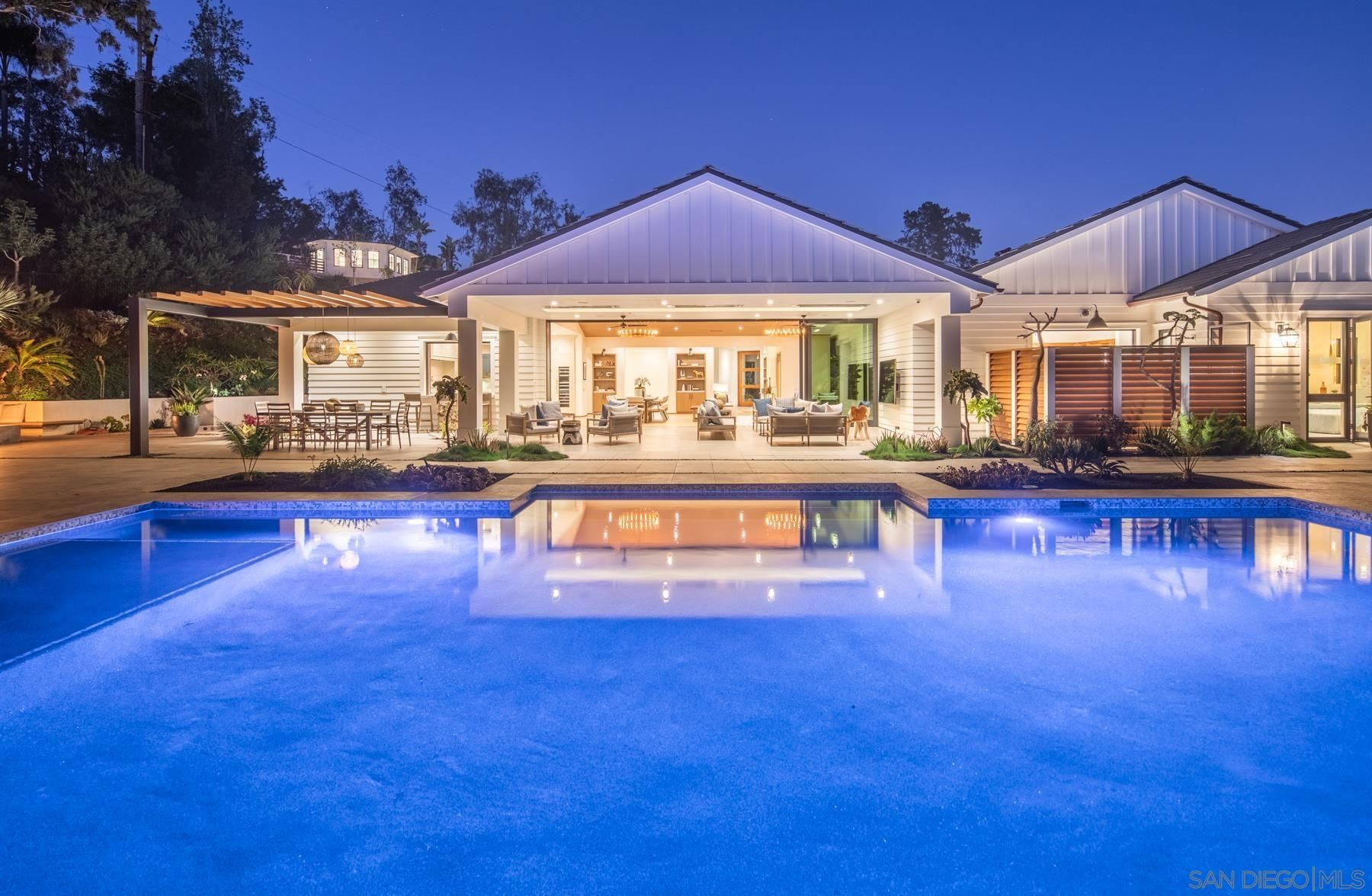 Main Photo: DEL MAR House for sale : 6 bedrooms : 4808 Sunny Acres Ln