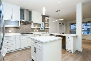 """Photo 6: 720 RODERICK Avenue in Coquitlam: Coquitlam West House for sale in """"S"""" : MLS®# V1137900"""