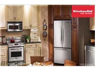 Photo 3: 101 866 Brock Ave in VICTORIA: La Langford Proper Condo for sale (Langford)  : MLS®# 466613