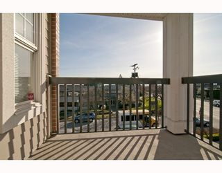 """Photo 6: 301 995 W 59th Ave in Vancouver: Marpole Condo for sale in """"Chruchill Gardens"""" (Vancouver West)  : MLS®# V812017"""