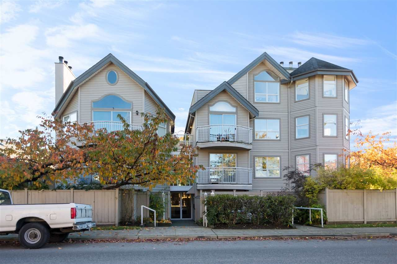 "Main Photo: 103 592 W 16TH Avenue in Vancouver: Cambie Condo for sale in ""CAMBIE VILLAGE"" (Vancouver West)  : MLS®# R2232765"