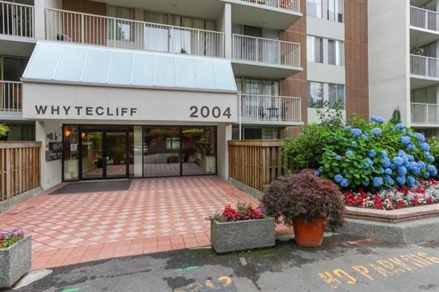 "Main Photo: 306 2004 FULLERTON Avenue in North Vancouver: Pemberton NV Condo for sale in ""Woodcroft"" : MLS®# R2249436"