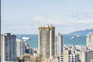 """Photo 2: 2003 1288 ALBERNI Street in Vancouver: West End VW Condo for sale in """"The Palisades"""" (Vancouver West)  : MLS®# R2591374"""