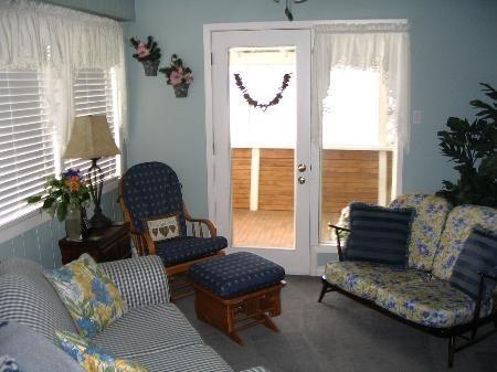 Photo 4: Photos: 707-12th St.: House for sale (Brocklehurst)  : MLS®# 83658