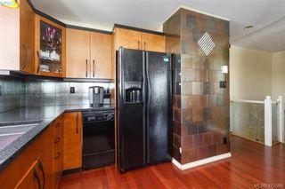 Photo 17: 1205 835 View St in VICTORIA: Vi Downtown Condo for sale (Victoria)  : MLS®# 818153