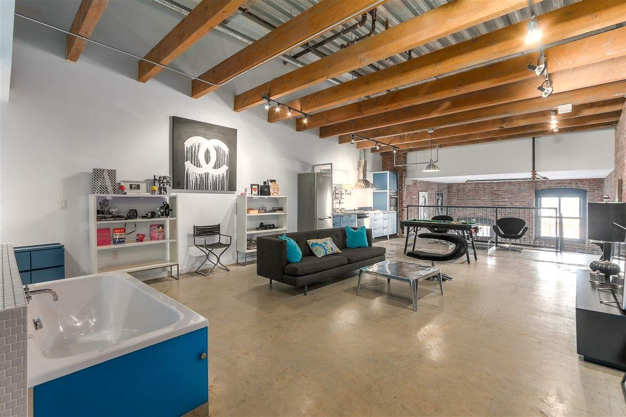 """Main Photo: 504 55 E CORDOVA Street in Vancouver: Downtown VE Condo for sale in """"KORET LOFTS"""" (Vancouver East)  : MLS®# R2244730"""