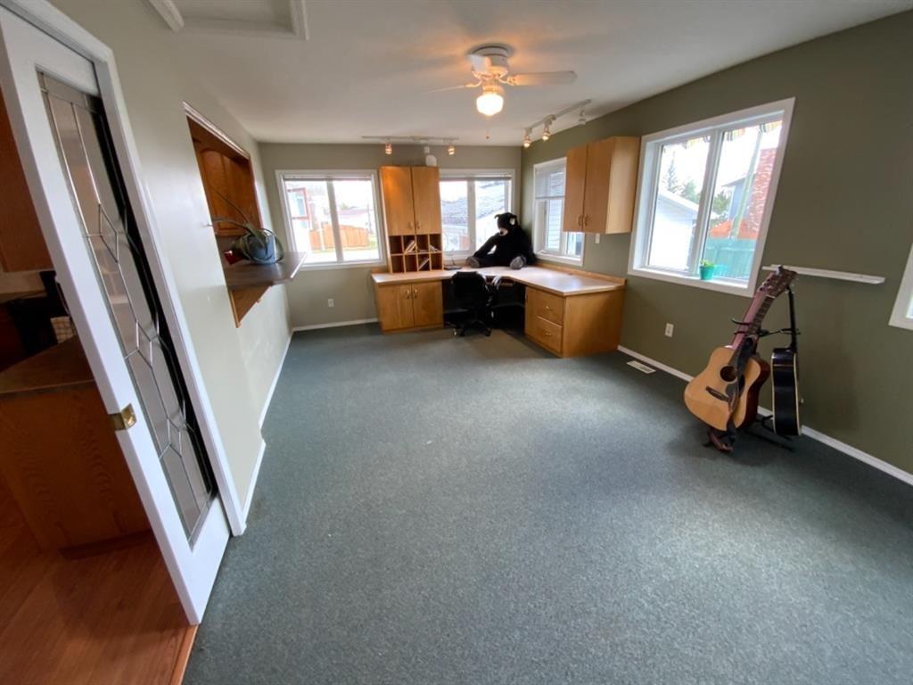 Photo 9: Photos: 571 3 Avenue SE: Three Hills Detached for sale : MLS®# A1105212