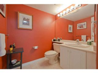 "Photo 16: 104 15111 RUSSELL Avenue: White Rock Condo for sale in ""Pacific Terrace"" (South Surrey White Rock)  : MLS®# F1411286"