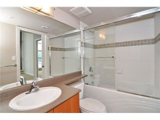 """Photo 9: 1406 189 NATIONAL Avenue in Vancouver: Mount Pleasant VE Condo for sale in """"THE SUSSEX"""" (Vancouver East)  : MLS®# V1132745"""