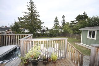 Photo 4: 410 Walter Ave in Victoria: Residential for sale : MLS®# 283473