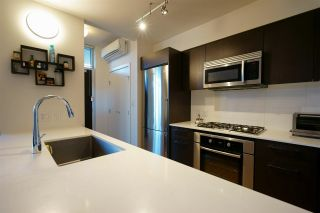 """Photo 7: 2 7988 ACKROYD Road in Richmond: Brighouse Townhouse for sale in """"QUINTET"""" : MLS®# R2575333"""