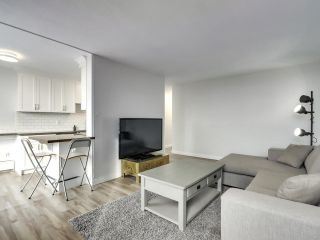"""Photo 5: 1203 2370 W 2ND Avenue in Vancouver: Kitsilano Condo for sale in """"Century House"""" (Vancouver West)  : MLS®# R2625457"""