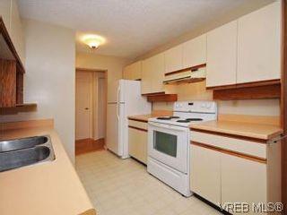 Photo 8: 104 1234 Fort St in VICTORIA: Vi Downtown Condo for sale (Victoria)  : MLS®# 550967