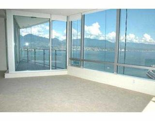 """Photo 2: 2704 1077 W CORDOVA ST in Vancouver: Coal Harbour Condo for sale in """"SHAW TOWER"""" (Vancouver West)  : MLS®# V537380"""