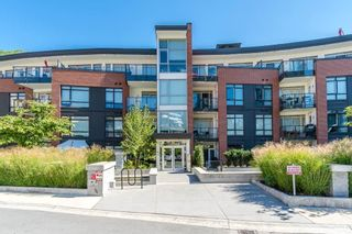 """Photo 1: 224 22 E ROYAL Avenue in New Westminster: Fraserview NW Condo for sale in """"The Lookout"""" : MLS®# R2540226"""