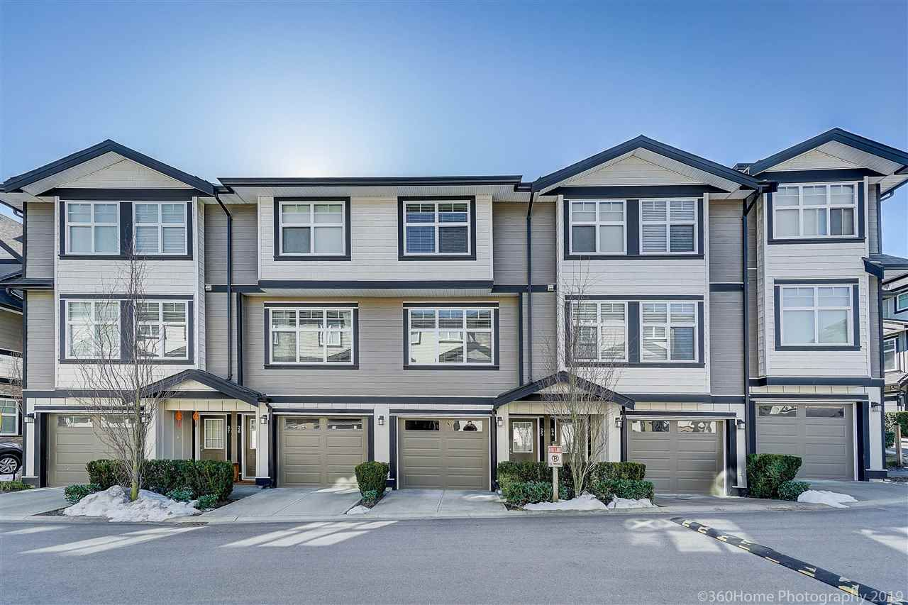"""Main Photo: 25 6350 142 Street in Surrey: Sullivan Station Townhouse for sale in """"Canvas"""" : MLS®# R2343782"""