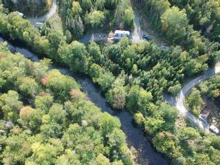 Photo 2: 159 Down River Lane in Maplewood: 405-Lunenburg County Residential for sale (South Shore)  : MLS®# 202125599