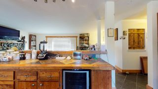 Photo 11: 1252 MARION Place in Gibsons: Gibsons & Area House for sale (Sunshine Coast)  : MLS®# R2513761