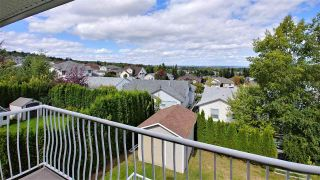 """Photo 5: 3193 VISTA RISE Road in Prince George: St. Lawrence Heights House for sale in """"ST. LAWRENCE"""" (PG City South (Zone 74))  : MLS®# R2399272"""
