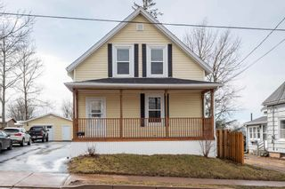 Photo 1: 186 Young Street in Truro: 104-Truro/Bible Hill/Brookfield Residential for sale (Northern Region)  : MLS®# 202107349