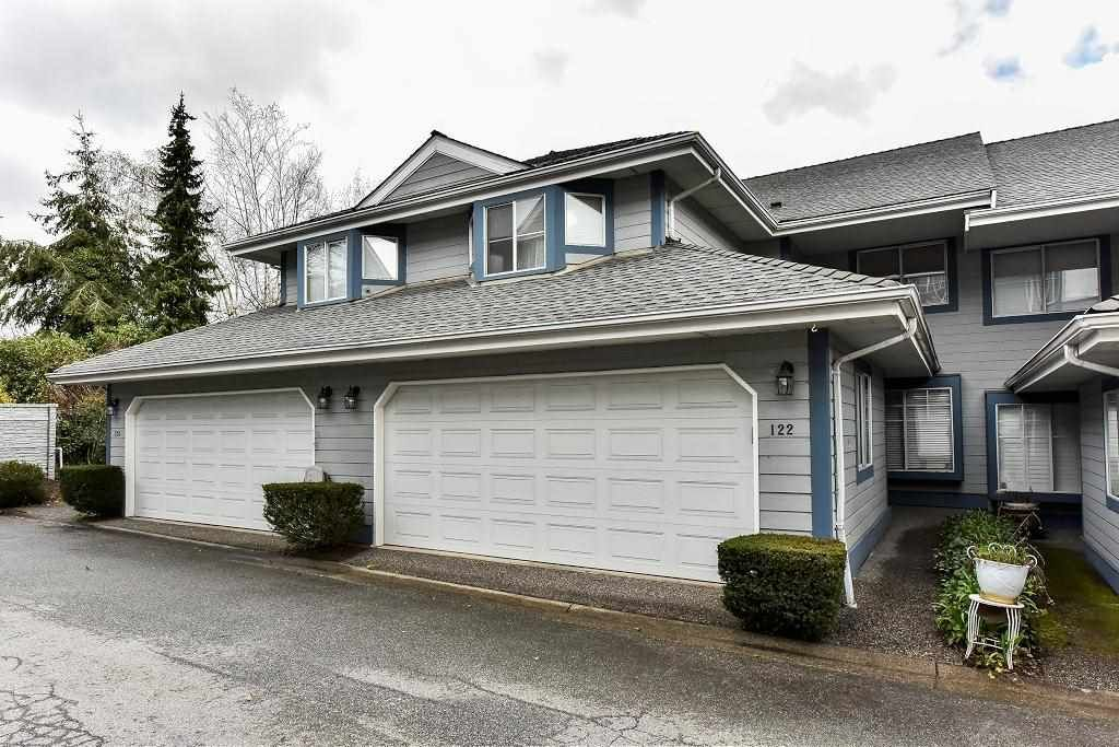 "Main Photo: 122 28 RICHMOND Street in New Westminster: Fraserview NW Townhouse for sale in ""CASTLERIDGE"" : MLS®# R2157628"