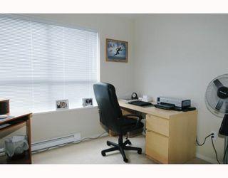 Photo 9: 211 200 KLAHANIE Drive in Port Moody: Port Moody Centre Condo for sale : MLS®# V805277