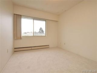 Photo 13: 303 1680 Poplar Ave in VICTORIA: SE Mt Tolmie Condo for sale (Saanich East)  : MLS®# 716765