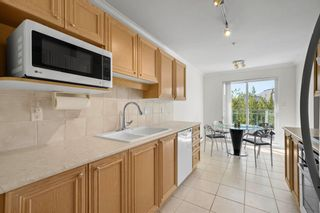 """Photo 3: 412 5683 HAMPTON Place in Vancouver: University VW Condo for sale in """"Wyndham Hall"""" (Vancouver West)  : MLS®# R2605599"""