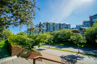 """Photo 34: 108 1450 PENNYFARTHING Drive in Vancouver: False Creek Condo for sale in """"HARBOUR COVE"""" (Vancouver West)  : MLS®# R2459679"""