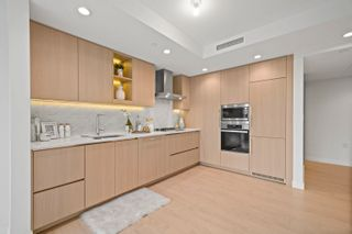 Photo 2: 1014 1768 COOK Street in Vancouver: False Creek Condo for sale (Vancouver West)  : MLS®# R2623942