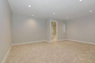 Photo 15: 231 W 19TH Street in North Vancouver: Central Lonsdale 1/2 Duplex for sale : MLS®# R2202845