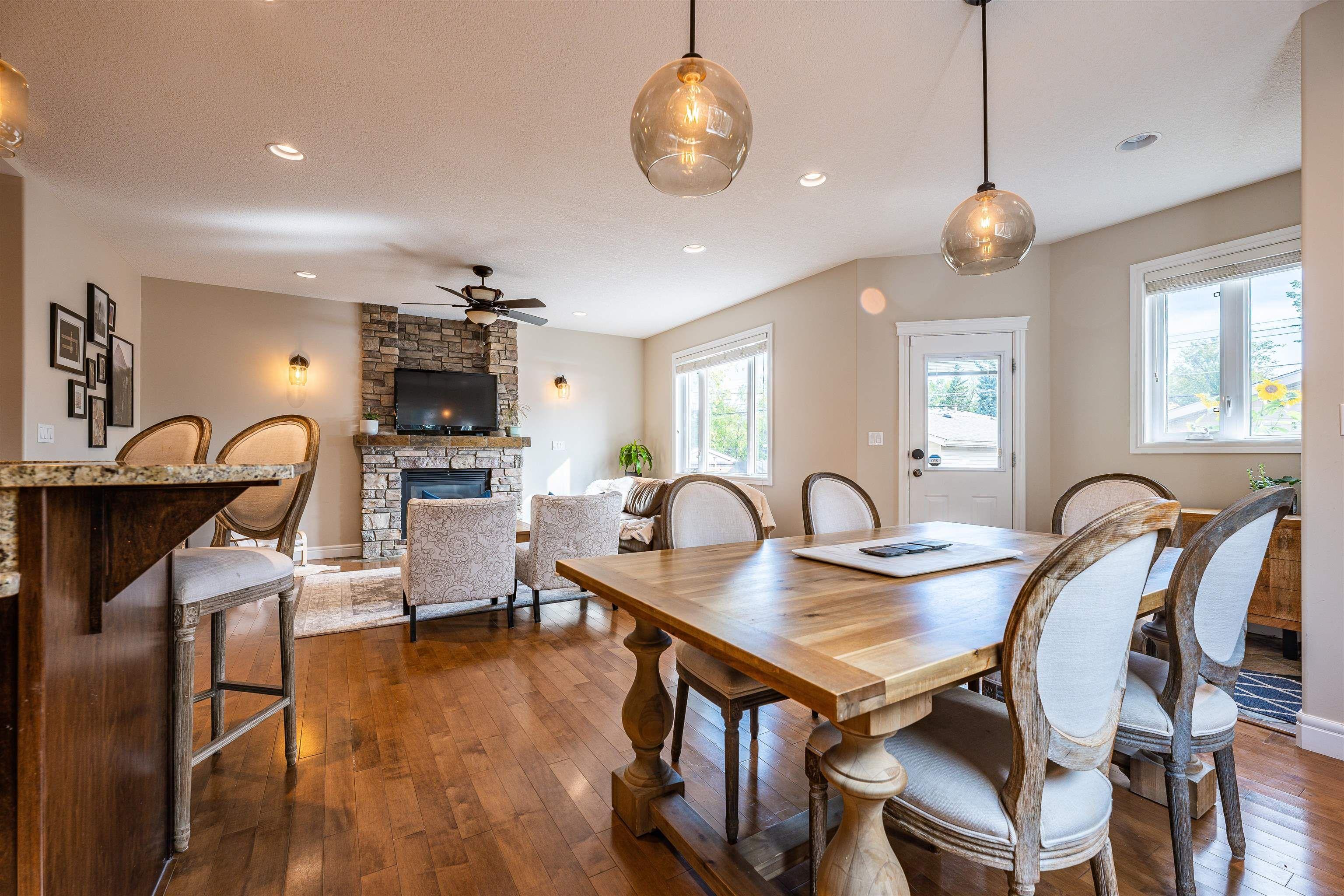 Main Photo: 10935 72 Avenue in Edmonton: Zone 15 House for sale : MLS®# E4262498