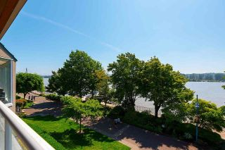 """Photo 2: 306 5 K DE K Court in New Westminster: Quay Condo for sale in """"Quayside Terrace"""" : MLS®# R2585384"""