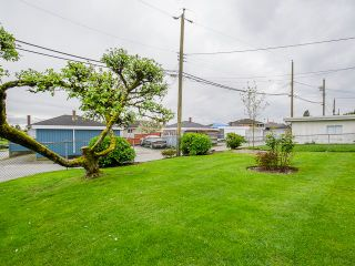 Photo 6: 1384 E 63RD Avenue in Vancouver: South Vancouver House for sale (Vancouver East)  : MLS®# R2057224