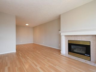 Photo 5: 302 898 Vernon Ave in Saanich: SE Swan Lake Condo for sale (Saanich East)  : MLS®# 853897